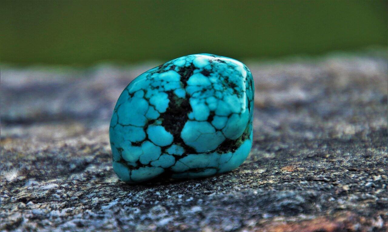 美しきターコイズ(トルコ石 )|そのターコイズ ブルーの耀きの秘密とは