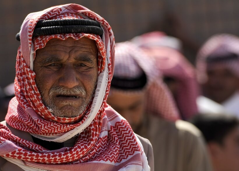 アラブ ファッション|クーフィーヤ デザインの始まり とは!?