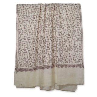 . カシミールのソズニ刺繍 の手織り #手刺繍 の #カシミヤ / #パシュミナ です。 デザインはソズニ刺繍 ジャアリワークです。 オフホワイトの #カシミヤ 100%の生地に、カシミールの職人が薄い紫色の糸を使い、細かく #手刺繍 を施した カシミール刺繍のソズニ刺繍 の パシュミナ ショール🧣です。 カシミール刺繍のソズニ刺繍、ジャアリデザインです。 . . 首に巻くと、#手刺繍 によってデザインされたカシミールの草木のモチーフの素晴らしいデザインが自然に見え、とても美しいです。 . その他にもカシミール刺繍をインスタには数多く掲載していますので、他の投稿をご覧ください。 ウェブサイト great-artisan.jp には、その他にもヨーロピアンデザインのカシミヤストール🧣や素晴らしい刺繍されたカシミヤ/パシュミナストールやショールを販売しています。 もし気になったカシミヤ/パシュミナがあったらDMをください。 ぜひウェブサイト great-artisan.jp をご覧ください。 . . . . . #greatartisan